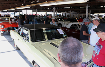 Buy or Sell a Vehicle in the Car Corral